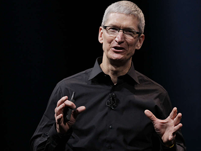 "CEO Tim Cook, who addressed Apple´s error-ridden new mobile mapping service. Apple was ""extremely sorry,"" he said, and invited frustrated users to consult the competition. ERIC RISBERG / AP"