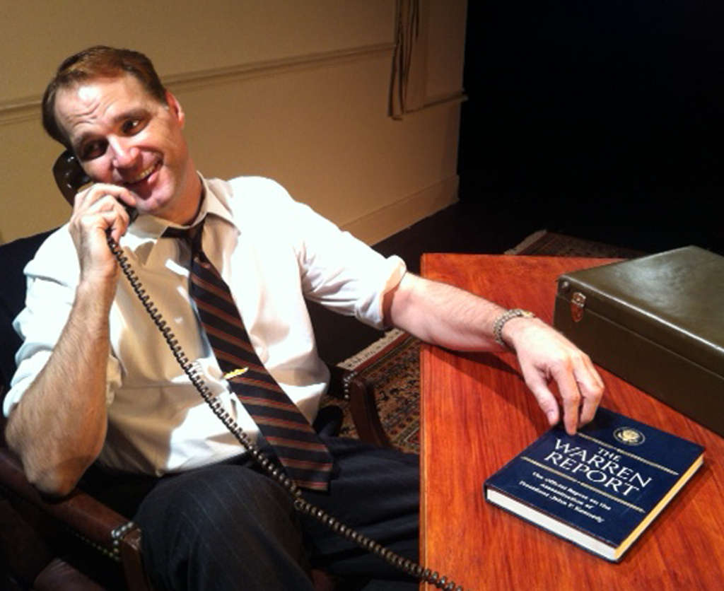 Russ Widdall captures Robert F. Kennedy´s manners at Adrienne Theatre´s Second Stage.