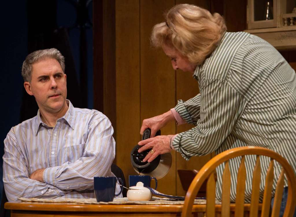 The Wilmington production stars Ian Lithgow as the son and Michael Learned as the mother and the wife of Gunner (played by Peter Strauss), a retired owner of a Philly trucking firm who is losing his faculties . MATT URBAN