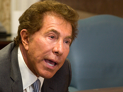 Casino mogul Steve Wynn said he is applying for a second license from the Gaming Control Board to operate a casino and hotel in Philadelphia. ED HILLE / Staff Photographer
