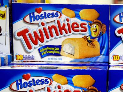 Hostess´ Twinkies snake cakes.