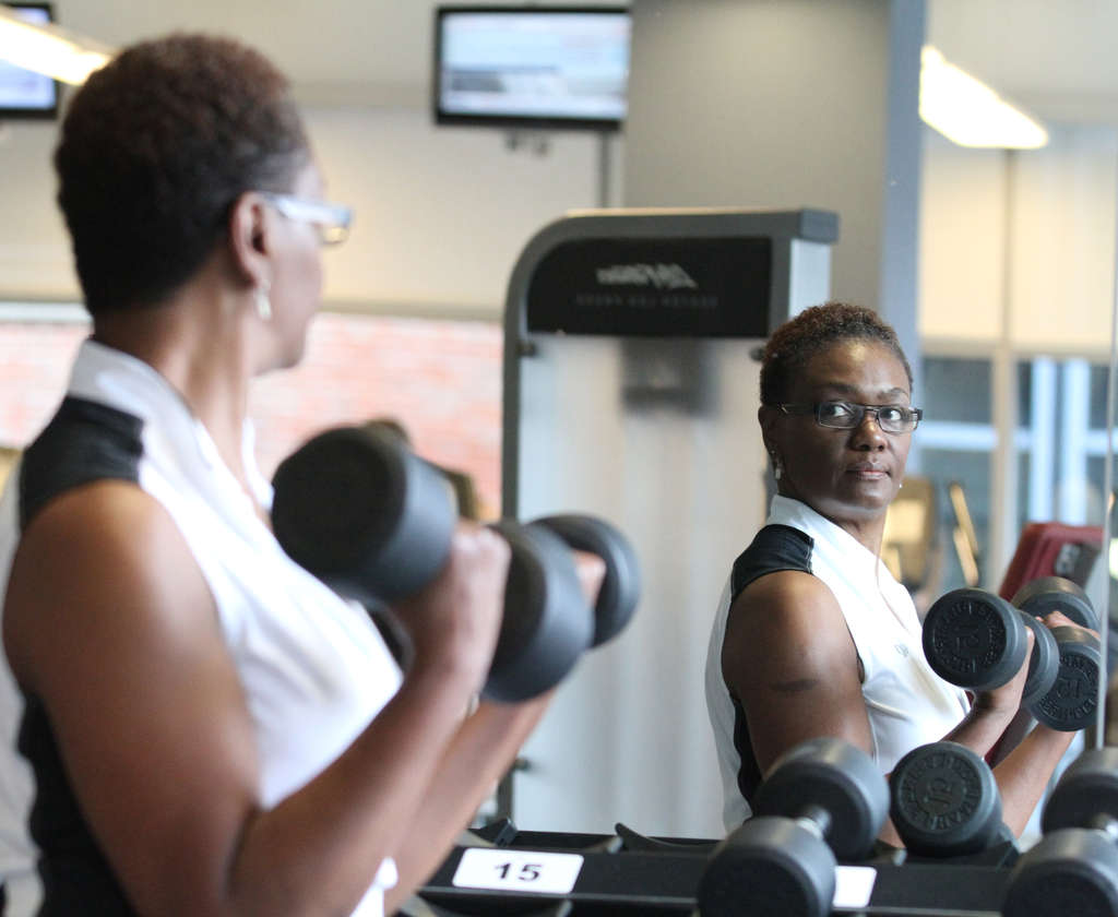 Debra Williams works out at the David Pottruck Fitness Center at Penn. While getting a bachelor´s degree at Penn, she put on 50 pounds, which she has since lost, and kept off while gaining master´s and doctoral degrees.