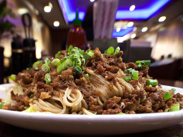 Noodle with pork soy sauce as served at Nan Zhou Hand Drawn Noodle House.  ( DAVID M WARREN / Staff Photographer )