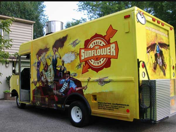 Sunflower Truck Stop: Mobile Café