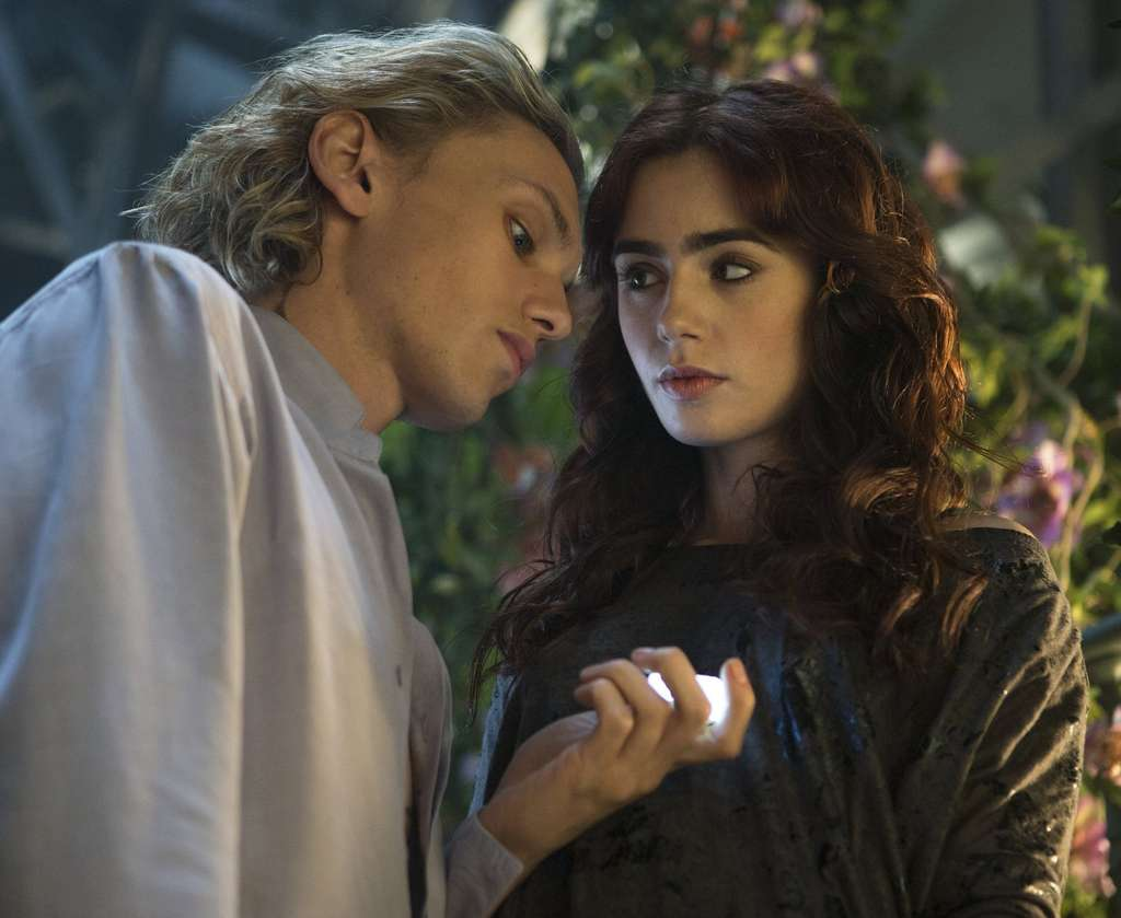 """Jamie Campbell Bower and Lily Collins star in """"The Mortal Instruments: City of Bones."""" She´s descended from a line of supernatural demon-fighters."""
