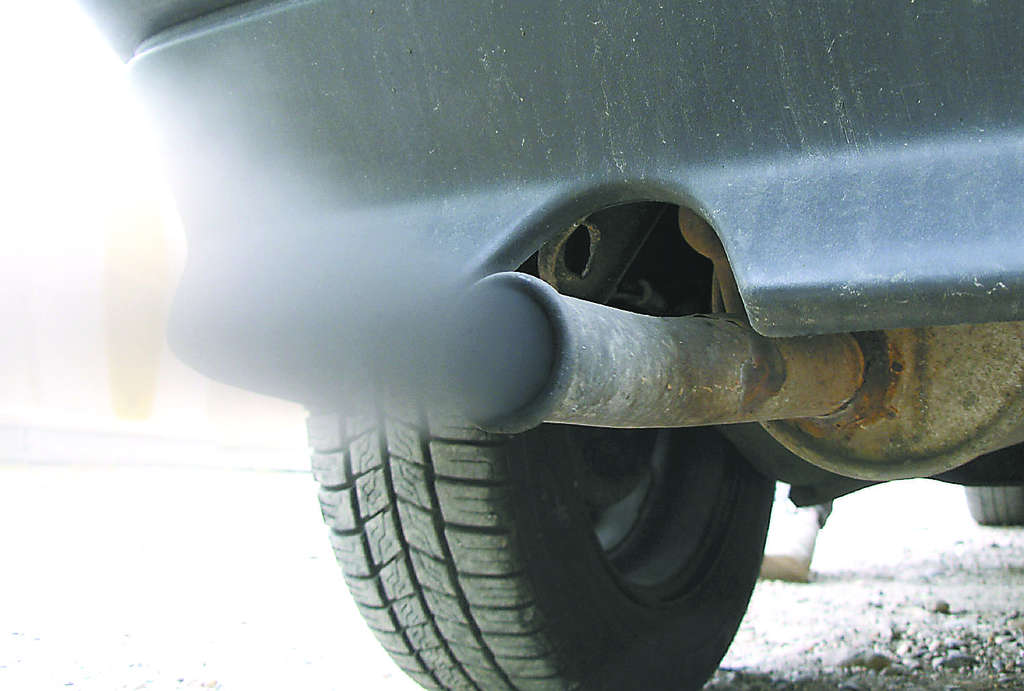 Exhaust fumes from traffic account for 26 percent of Philadelphia´s benzene.
