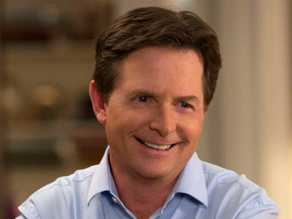 "In the new NBC sitcom ""The Michael J. Fox Show,"" Fox, who has Parkinson´s disease, plays a news anchor with the disease who returns to work."
