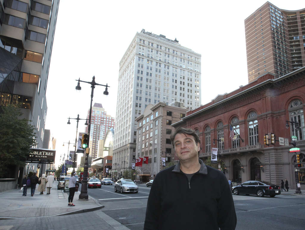 Broad Street veteran Joe Varalli, who predates the Avenue, responded to a younger demographic with his Perch Pub and its craft brews on tap at 1345 Locust St.