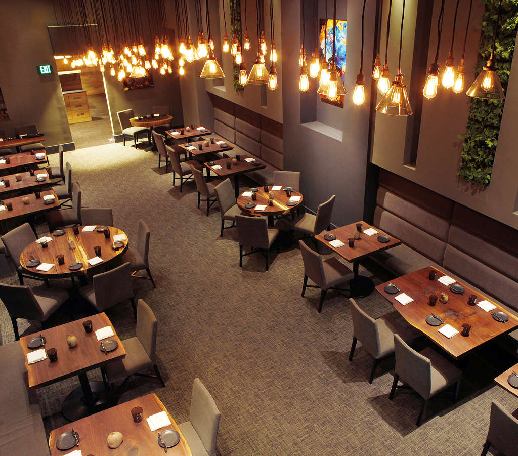 The main dining room at Avance, in the old Le Bec-Fin space.