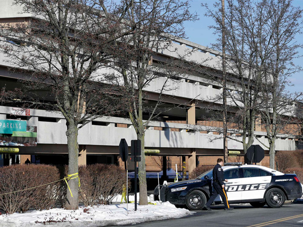 A parking garage a t the Mall at Short Hills, the upscale shopping center in the North Jersey suburbs. After the man was killed, the stolen Range Rover was found in a Newark neighborhood. MEL EVANS / AP