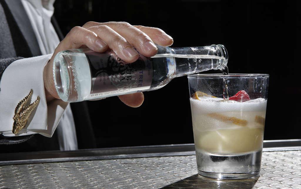 At Hop Sing Laundromat, one of the city´s best cocktail bars, club soda makes the Saigon Flip fizz, with Don Q Gran Añejo, El Dorado white rum, Licor 43, lime juice, egg yolk, condensed milk.