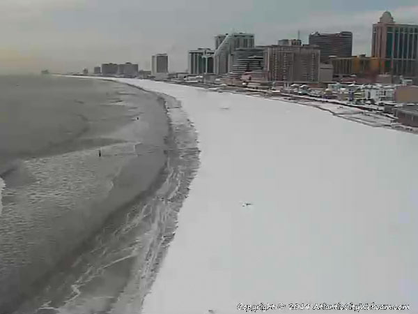 "The view of a snowy beach in Atlantic City from <a href=""http://www.thepiershopsatcaesars.com/one-atlantic"">One Atlantic</a> in the Pier Shops at Caesars. (<a href=""http://www.atlanticcitywebcam.com/"">http://www.atlanticcitywebcam.com</a>)"