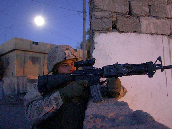 Ramon Barron in Ramadi, April 2004. (FILE: David Swanson/Inquirer Staff)