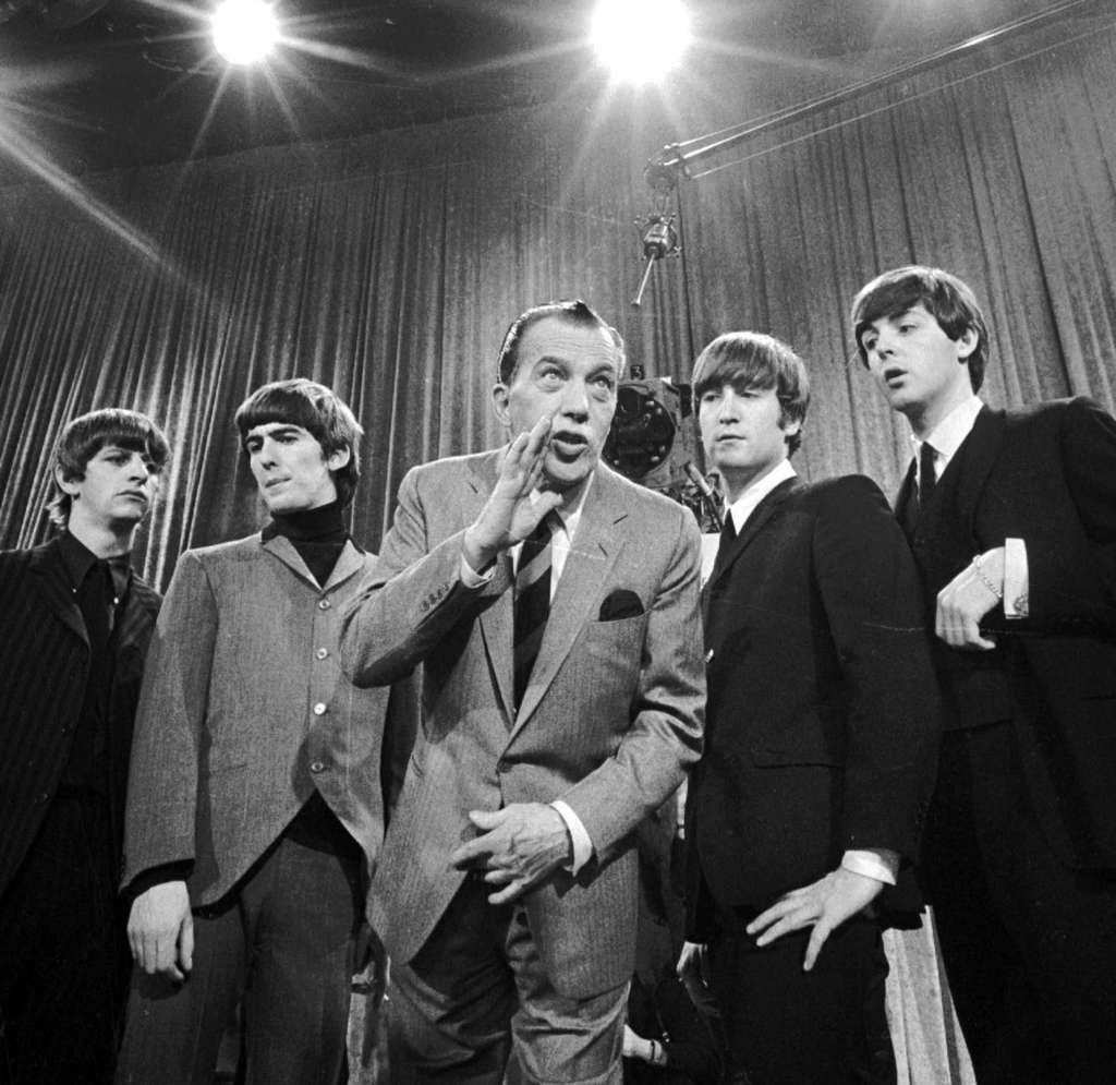 Ed Sullivan with the Beatles before the band´s first appearance on his TV show.
