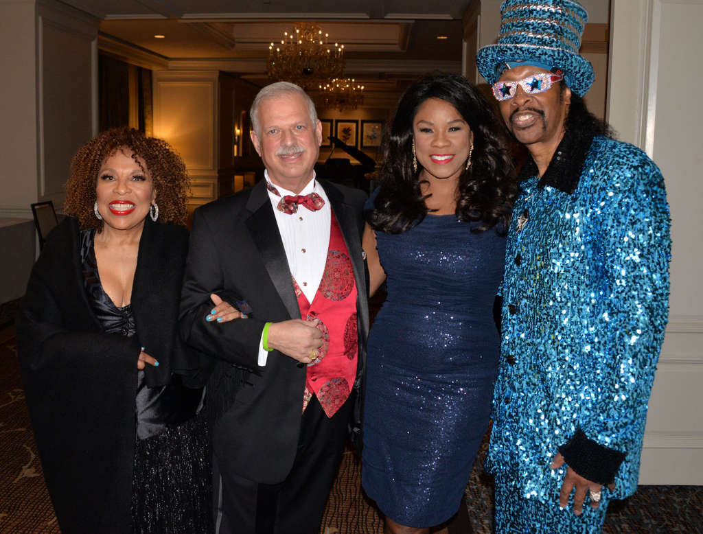 "HUGHE DILLON / FOR THE DAILY NEWSWinning it softly Roberta Flack (left) was awarded the Voice Foundation´s Sackler Award on Friday at a black-tie affair at the Westin Philadelphia hotel. With her (from left) is Dr. Robert Sataloff, Metropolitan Opera mezzo-soprano Denyce Graves and William ""Bootsy"" Collins."