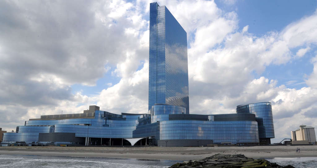 Revel and Trump Plaza are two of three casinos that could possibly close this summer. The key to Atlantic City´s survival, however, could be in yet another casino. But stick it in North Jersey.