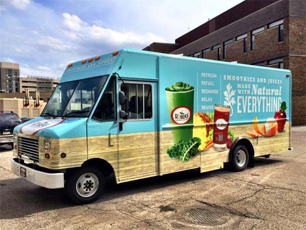 The Robeks juice truck, opening in advance of its first brick-and-mortar shop near 11th and Chestnut Streets.