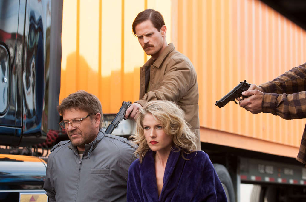 "Sean Bean (left), Brendan McCarthy, Ali Larter in TNT´s FBI drama ""Legends."""