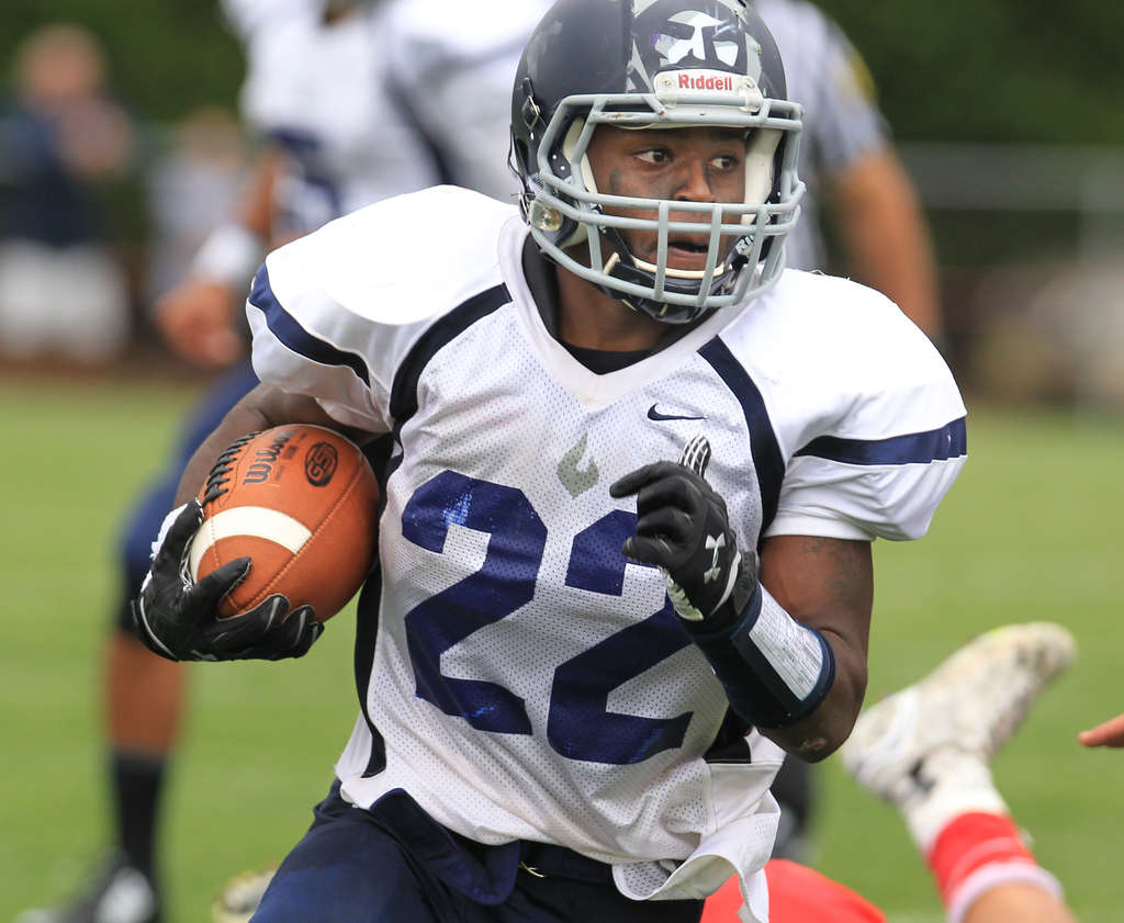 Pint-size force: St. Augustine Prep´s Lamont Harris, who lives in Washington Township, is South Jersey´s leading rusher with 1,009 yards. CHARLES FOX / Staff Photographer