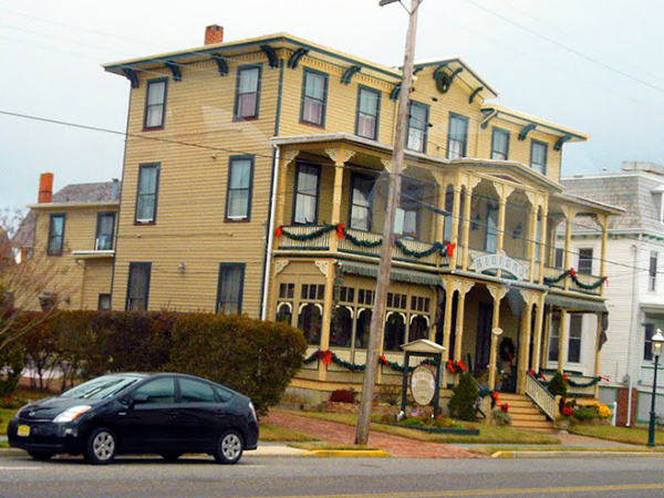 A fire Saturday morning ripped through the Bedford Inn, a historic bed and breakfast in Cape May, N.J.<br />