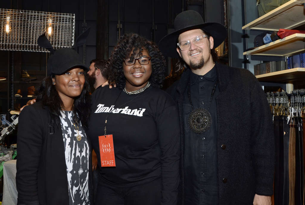 "HUGHE DILLON / FOR THE DAILY NEWS ""Project Runway"" winners Dom Streater (left) and Jay McCarroll (right) with fan Aisha Scott at the opening of the Timberland store on Walnut Street."