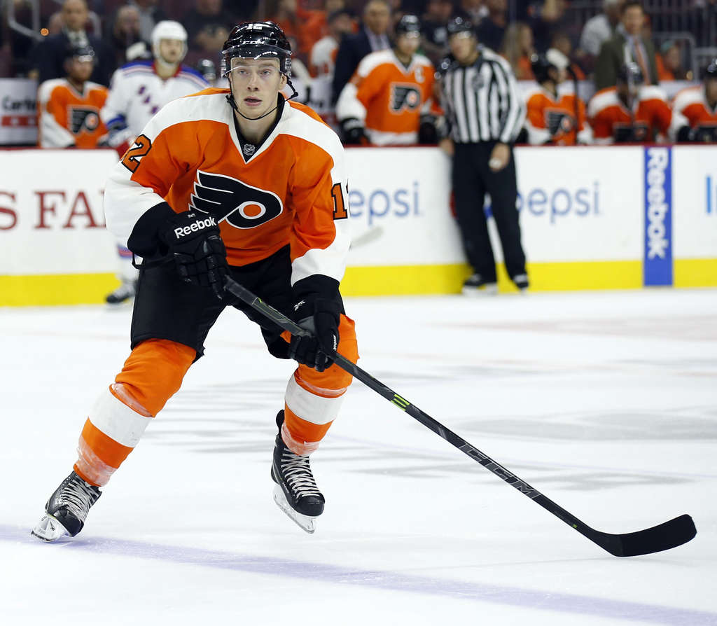 """Left winger Michael Raffl has clicked quickly with Claude Giroux and Jake Voracek on the Flyers´ top line. """"He´s goingto the front of the net more - and that´s where you score goals,"""" coach Craig Berube said."""