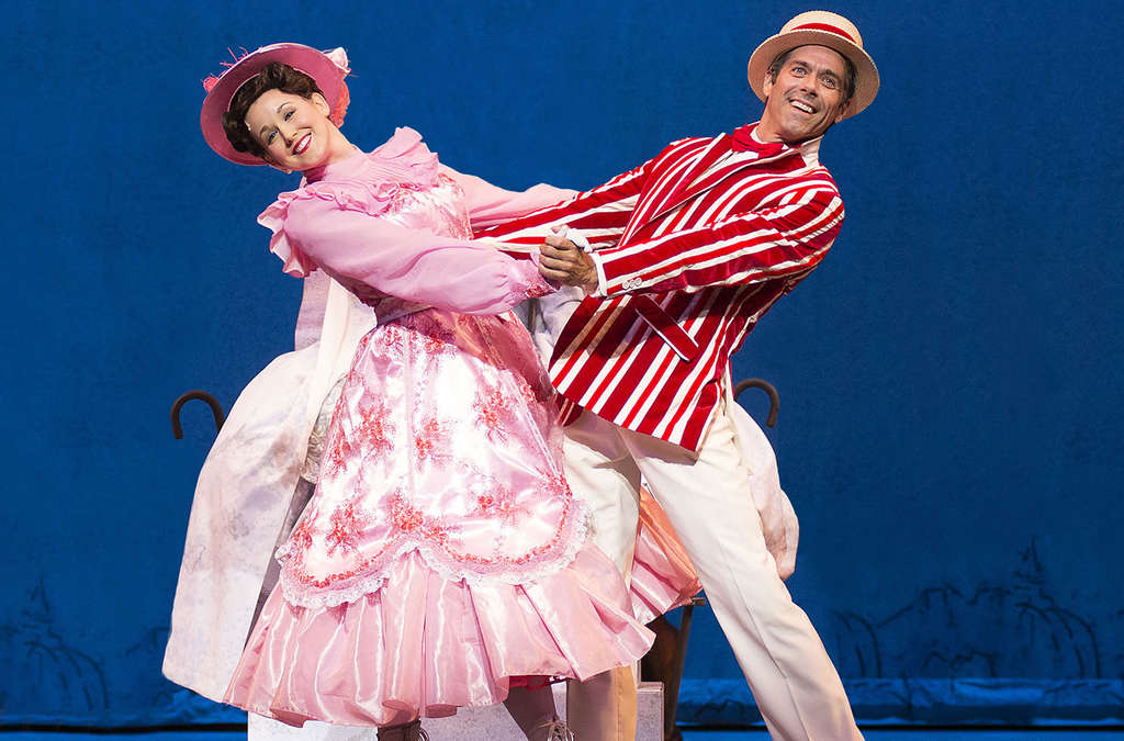 "First out of the holiday gate is Walnut Street Theatre´s production of ""Mary Poppins."""