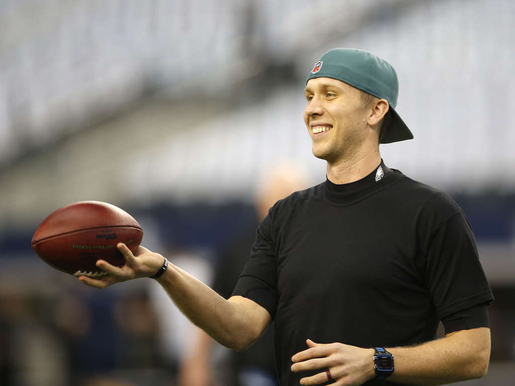 YONG KIM / STAFF PHOTOGRAPHER Nick Foles deserves a bump in pay for next season, since he will be the Eagles´s No. 1 quarterback.