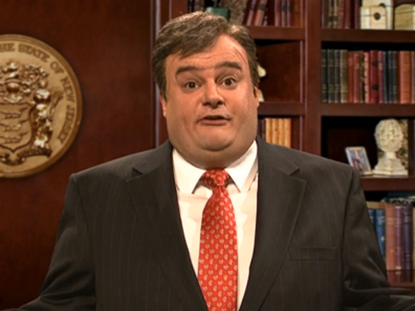Chris Christie, played by &quot;Saturday Night Live&quot; cast member Bobby Moynihan, explains why he didn&acute;t know what his aides were up to during the &quot;Bridgate&quot; fiasco. <br /><br />