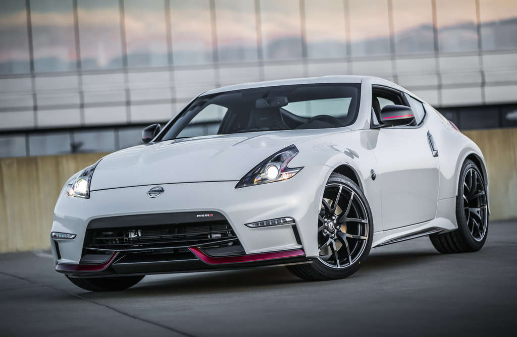 The 2015 Nissan 370Z NISMO , in six-speed manual or seven-speed automatic, features exterior, interior, and performance refinements.