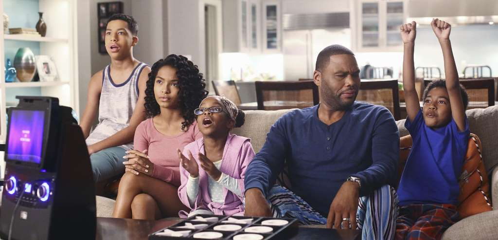 """Top new comedy """"Black-ish"""" revolves around an African American ensemble - (from left) Marcus Scribner, Yara Shahidi, Marsai Martin, Anthony Anderson, and Miles Brown - and is clearly resonating with viewers."""