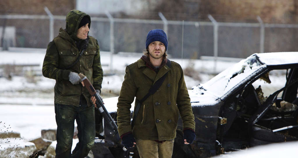 """Kirk Acevedo (left) with Aaron Stanford in the TV series """"12 Monkeys,"""" based on Terry Gilliam´s 1995 film of the same name."""
