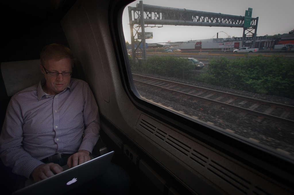 PHOTOS: ALEJANDRO A. ALVAREZ / STAFF PHOTOGRAPHER Brian Kieser , of Queen Village, is a regular Amtrak rider to his finance job in New York.