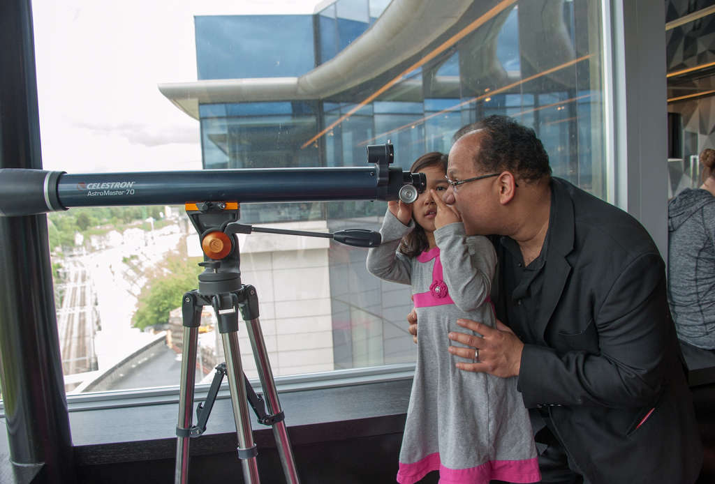 At the hotel, Philadelphia Orchestra principal clarinetist Ricardo Morales and daughter Victoria peer over Luxembourg.