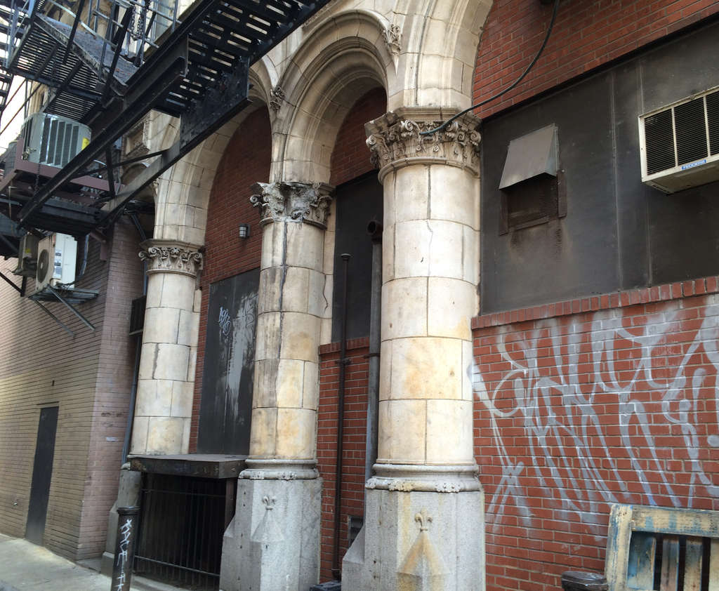 Hidden down an alley in the jewelry district are Corinthian columns on the back of an apartment building, a remnant of the 1898 Philadelphia Press Building.