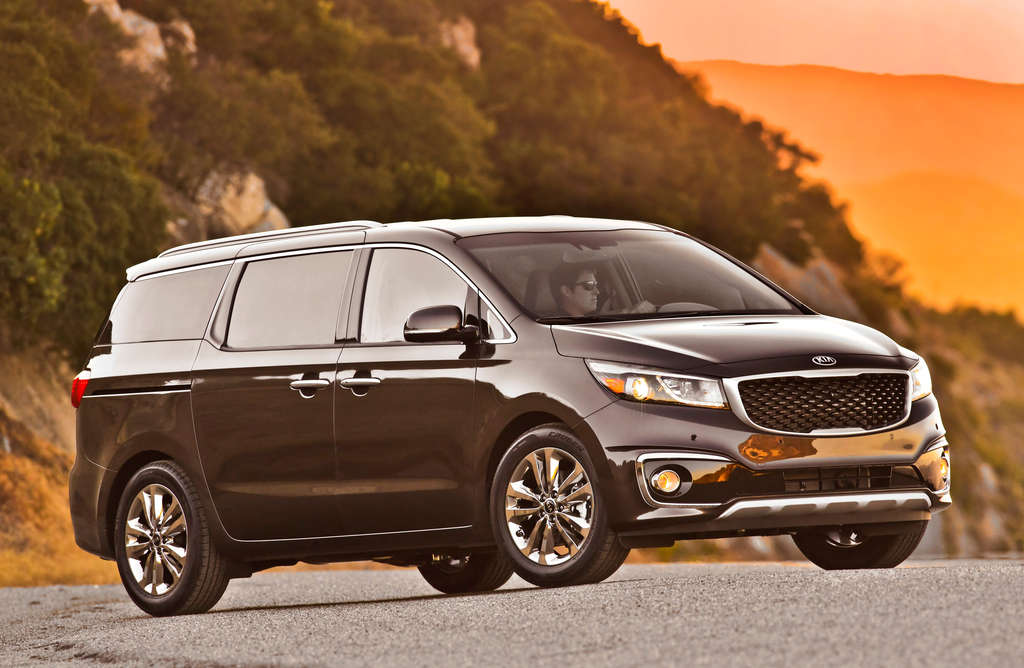 A redesign for 2015 isn´t enough to let the Kia Sedona SX-L catch up with its abler competitors.