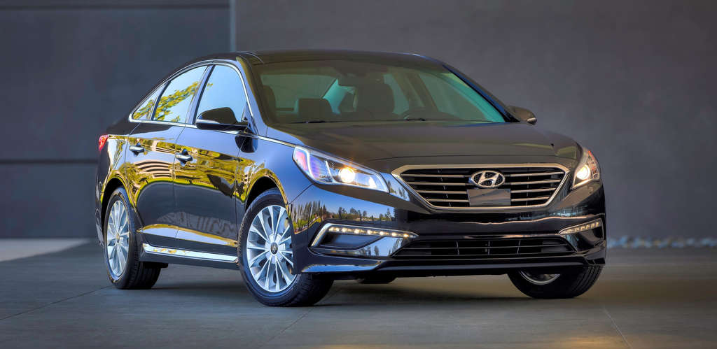 The 2015 Hyundai Sonata gets a nice upgrade in the looks department, inside and out, but power and fuel economy are another story.