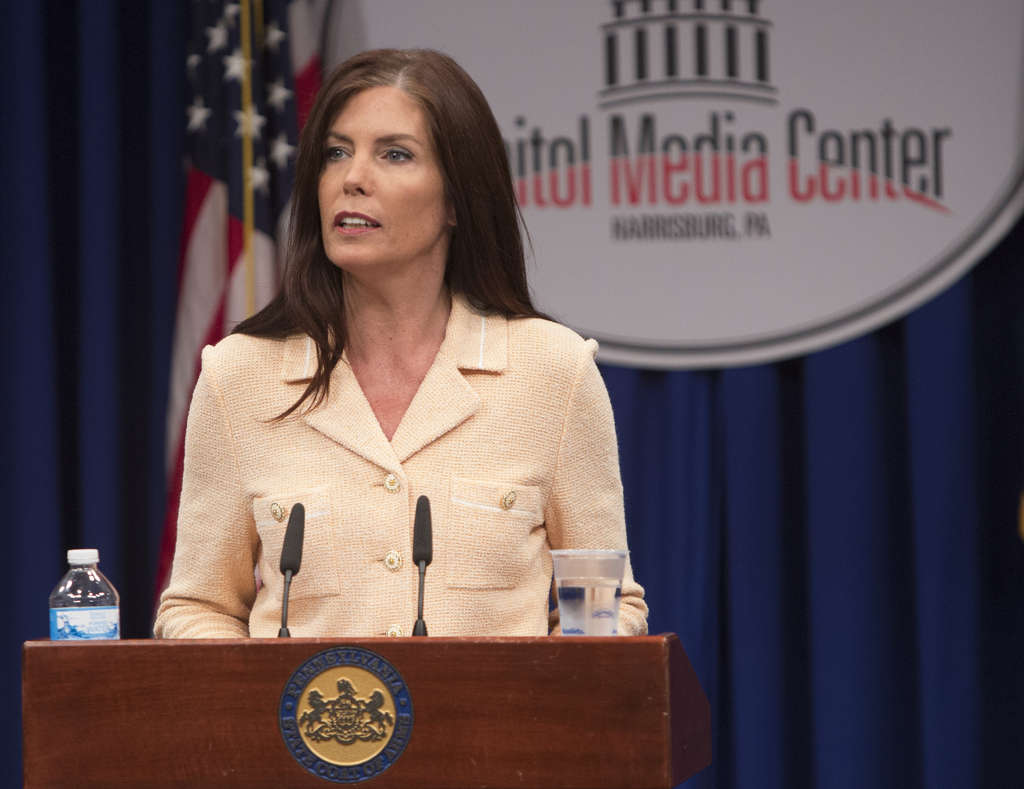 ED HILLE/STAFF PHOTOGRAPHER Kathleen Kane , the state´s embattled attorney general, read a 14-minute statement to the assembled media yesterday that proclaimed her innocence, then took no questions.