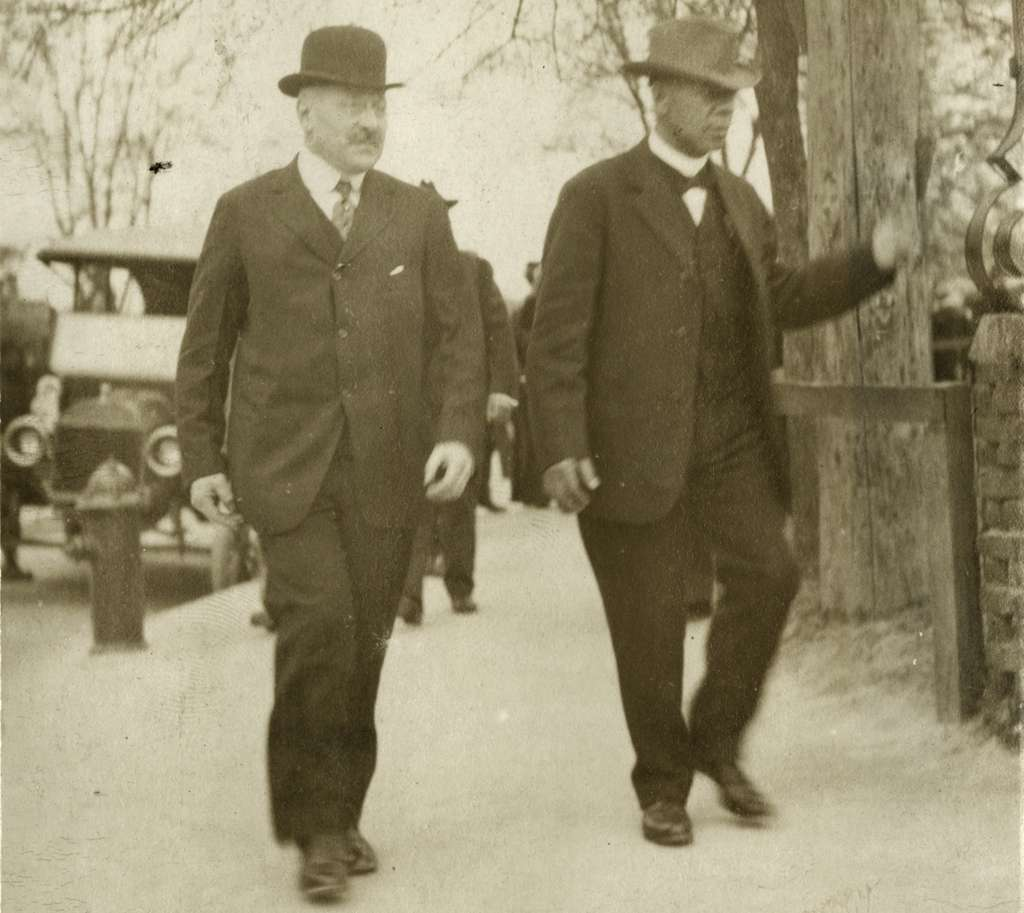 Sears founder Julius Rosenwald (left) with Booker T. Washington at the Tuskegee Institute in 1915. A new documentary looks at the philanthropist´s efforts in the Jim Crow South.