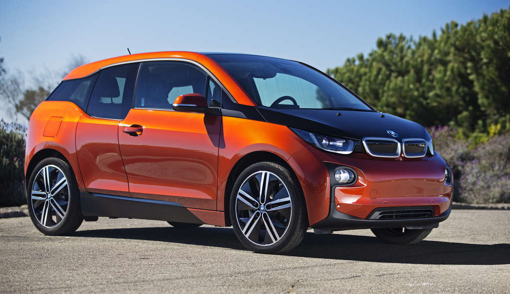 With Range Extender, the 2015 BMW i3 offers more flexibility than a typical plug-in, but it may still be a tough sell in distant suburbs.