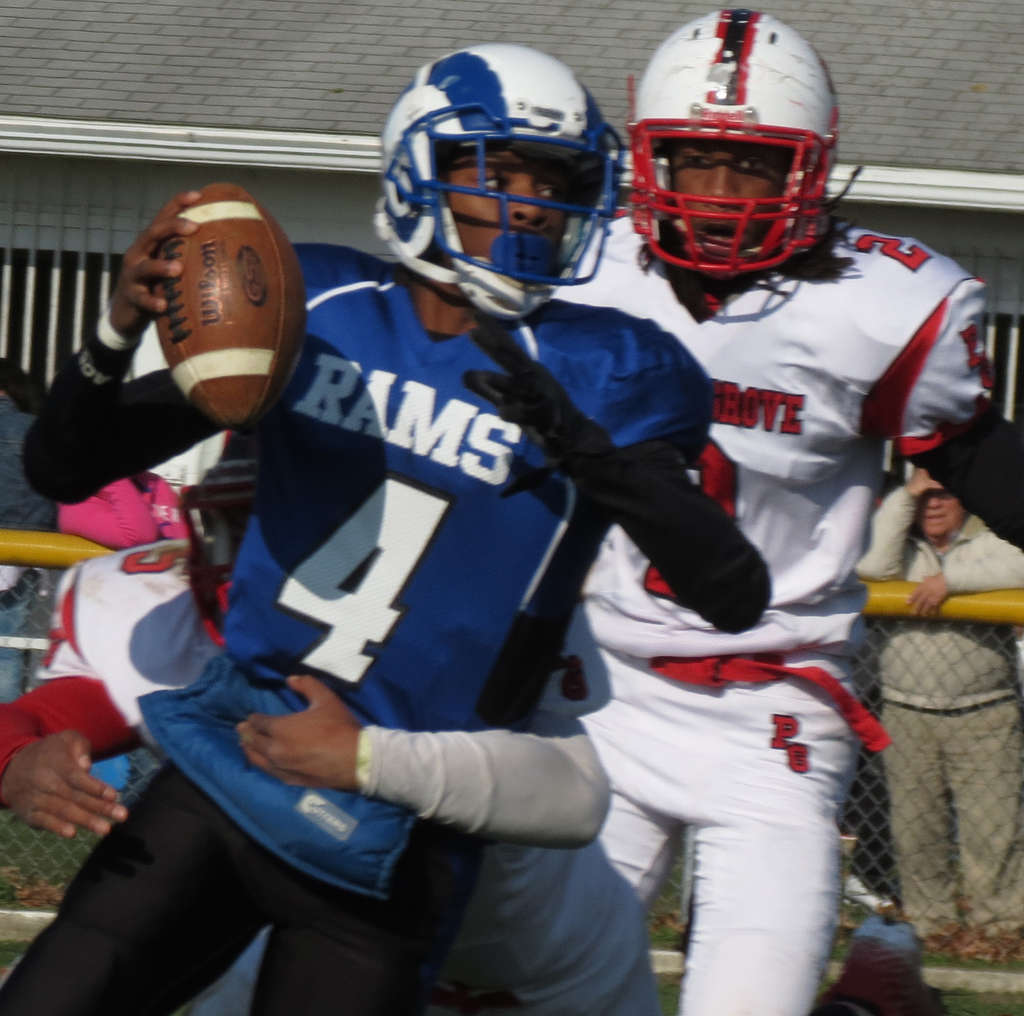 Salem quarterback Shareef Jeffries , who was on 2012´s 0-10 team, is hoping for a return trip to the South Jersey Group 1 final this year. MARC NARDUCCI / Staff