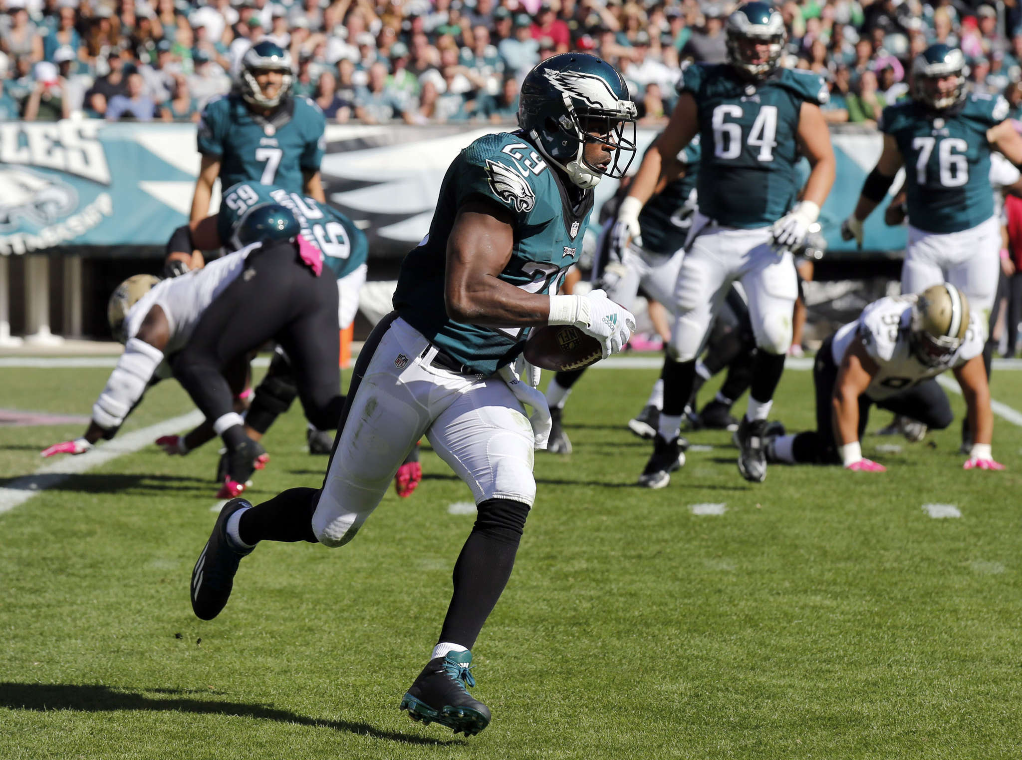 YONG KIM / STAFF PHOTOGRAPHER DeMarco Murray is averaging just 2.7 yards per carry in first five games.