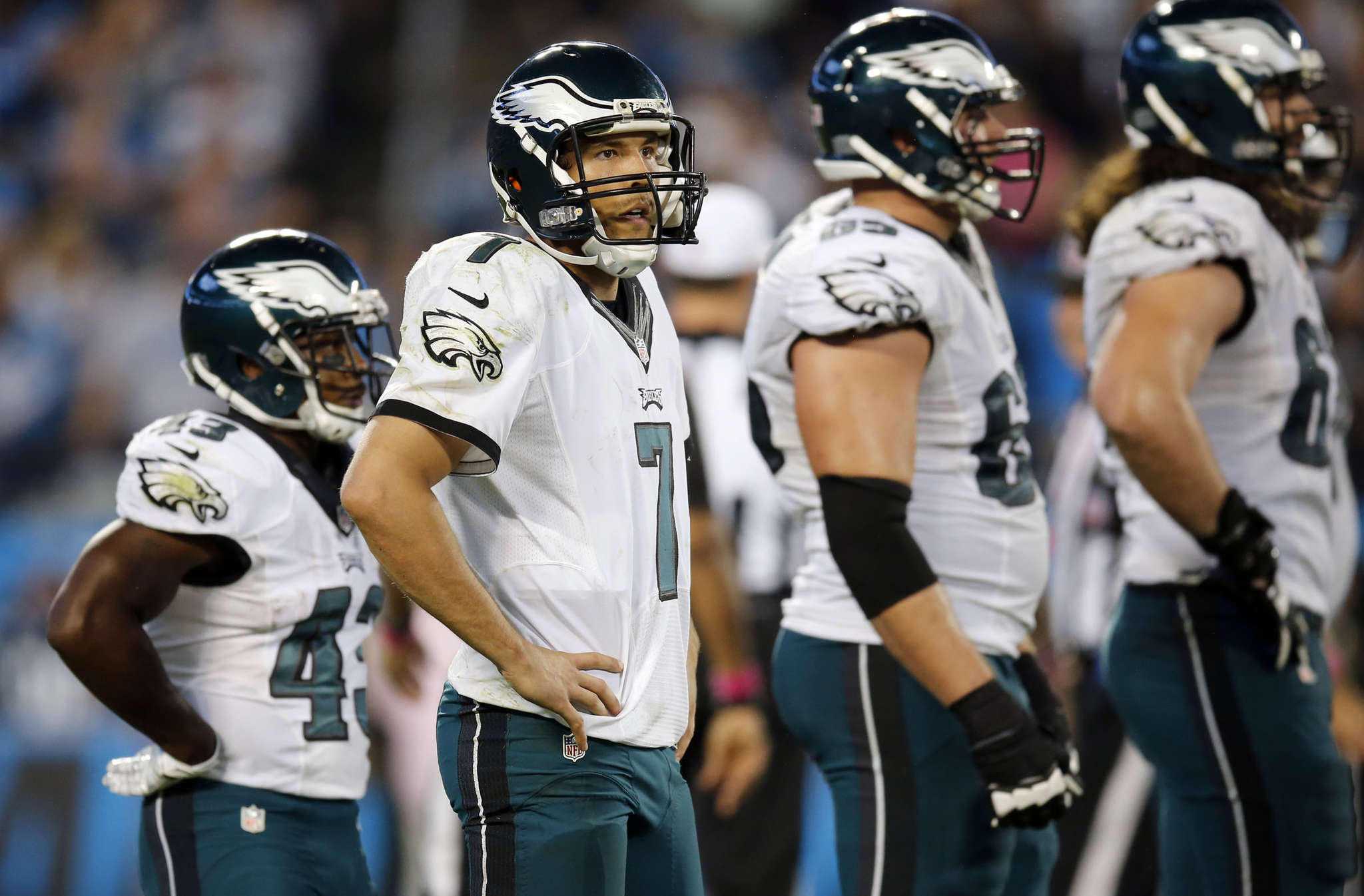 YONG KIM / STAFF PHOTOGRAPHER Sam Bradford certainly has not lived up to the advance billing he got from Chip Kelly.