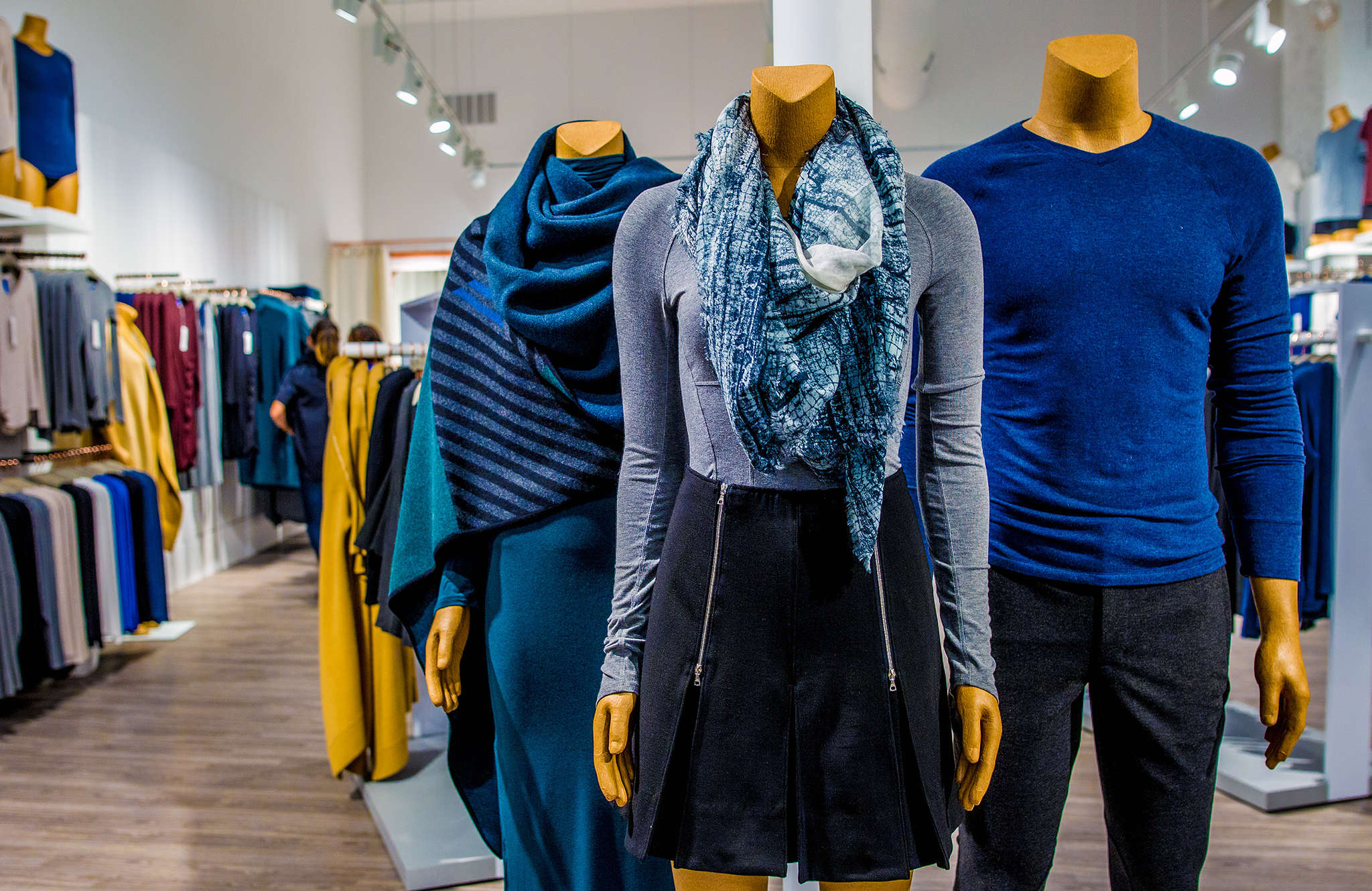 The new Kit & Ace in Fishtown, started by the wife and son of Lululemon´s founder, offers easy-to-wear men´s and women´s clothes in washable cashmere.