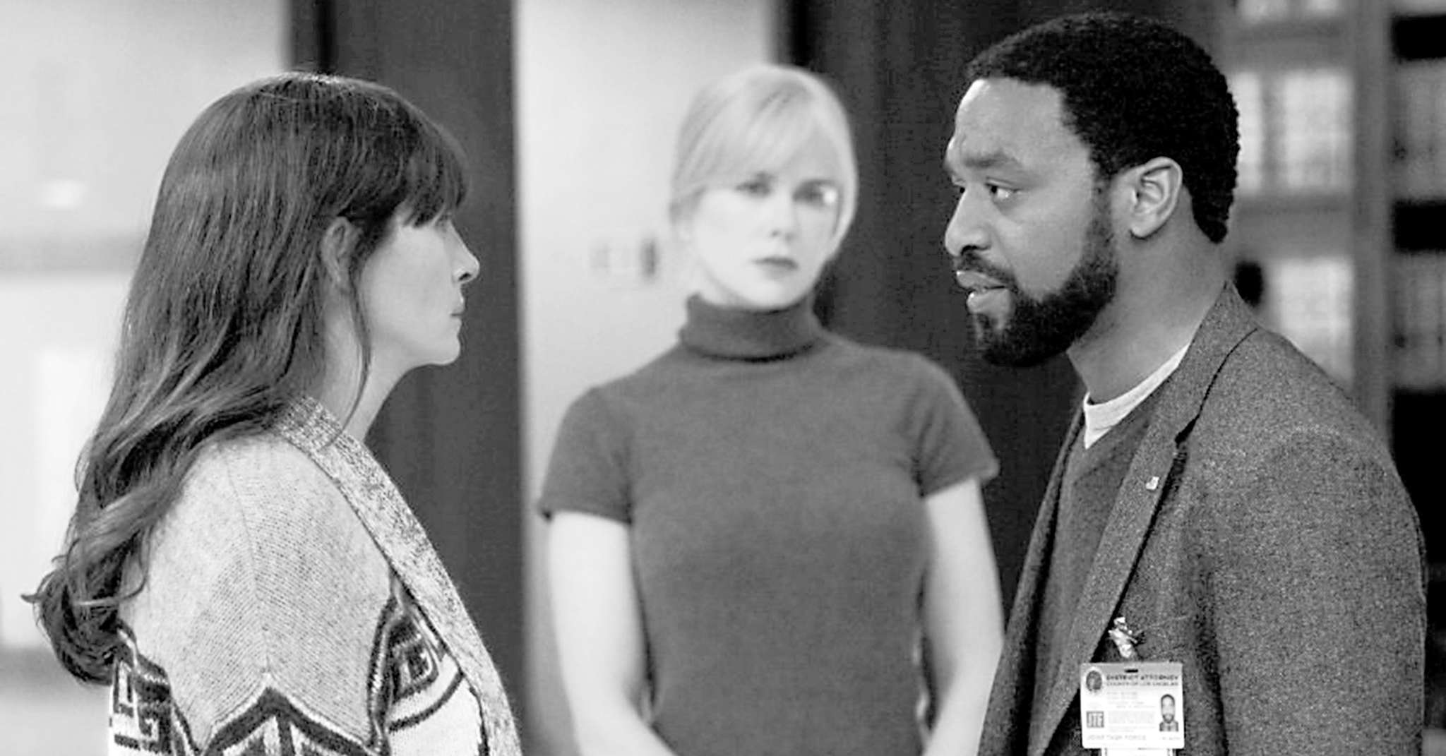 "Wait, is this a flashback?: (from left) Julia Roberts, Nicole Kidman, and Chiwetel Ejiofor in ""Secret in Their Eyes."""