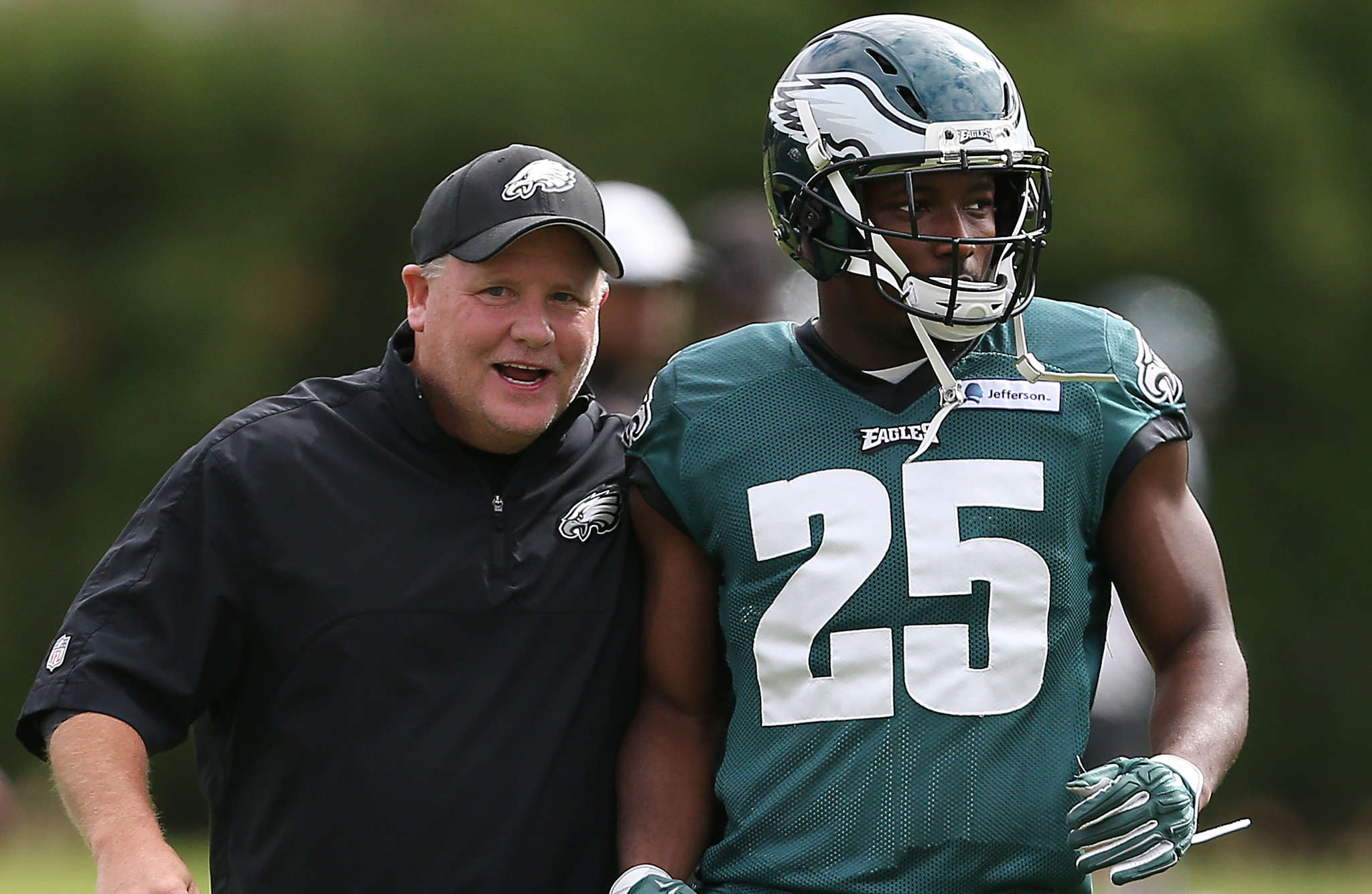 DAVID MAIALETTI / STAFF PHOTOGRAPHER Eagles coach Chip Kelly and LeSean McCoy in happier times.