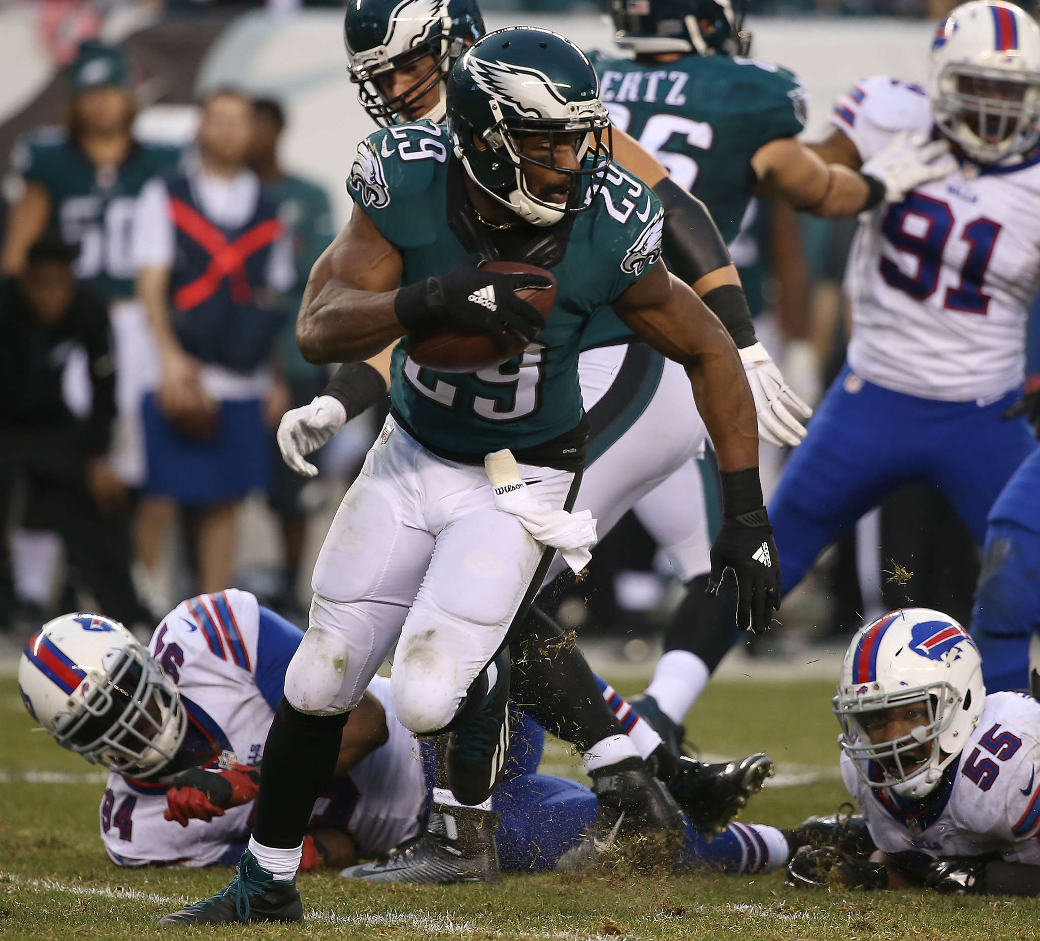 Eagles running back DeMarco Murray picked up just 34 yards on 11 carries Sunday.