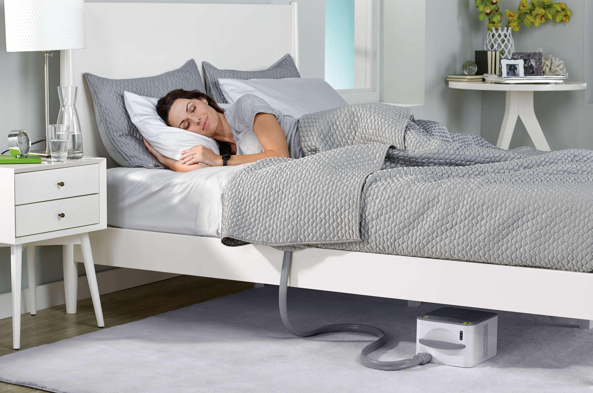 The Nuyu sleep system adjusts bed temperature to keep in step with the body´s circadian rhythm.