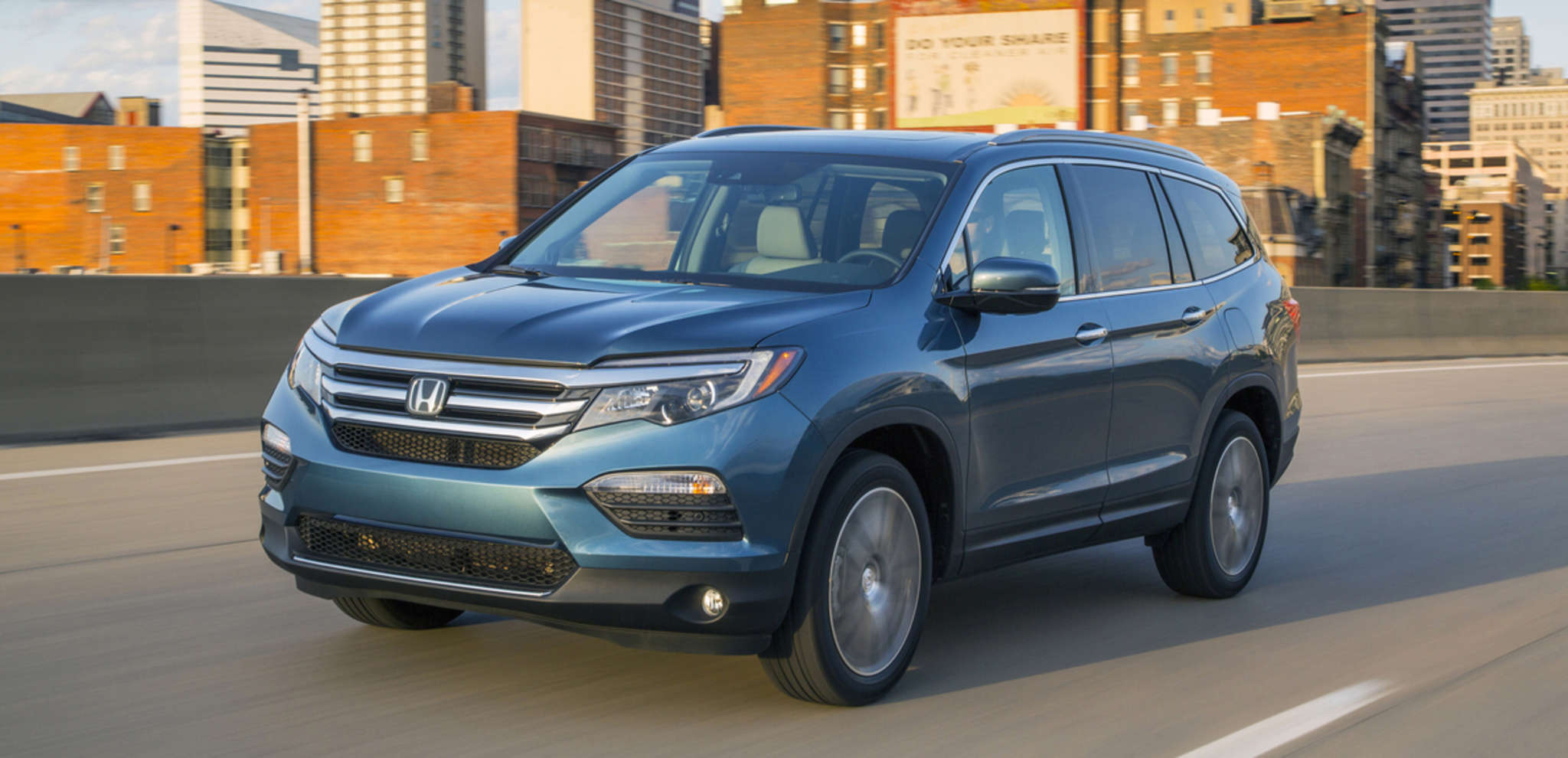 The Honda Pilot Elite answers critics of its previous styling with a sleek new profile.