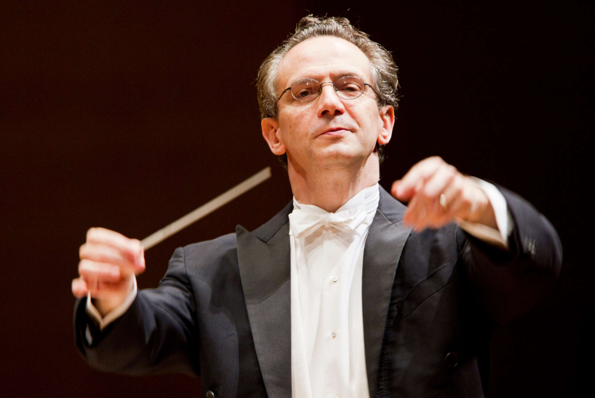 "Guest conductor Fabio Luisi and the Philadelphia Orchestra delivered Glinka´s ""Ruslan and Lyudmila"" overture and two Tchaikovsky pieces with velocity, depth, and emotion."
